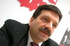 """- Trzeba zmniejszać przepaść płacową między Polską, a krajami Europy Zachodniej - apeluje przewodniczący """"Solidarności"""" Janusz Śniadek."""