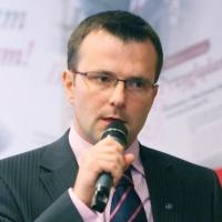 - Przez cały czas występuje bardzo duża rotacja ludzi - powiedział prezes Work Service'u Tomasz Szpikowski