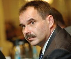 W opinii Jerzego Kozicza, prezesa zarządu CMC Zawiercie SA, na rynku nie należy spodziewać się zakłóceń, jeśli chodzi o dostawy materiałów hutniczych. - W dobie globalizacji możemy zapewnić dostawy niezbędnych materiałów hutniczych z różnych miejsc - twierdzi Kozicz.