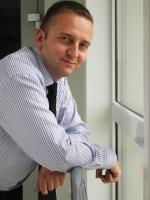 Łukasz Zadworny - nowy Członek Zarządu Skoda Auto Polska SA za cel strategiczny stawia sobie utrzymanie wysokiej pozycji marki w rynku, czyli rozwój przynajmniej w takim samym tempie, w jakim wzrasta rynek samochodowy.