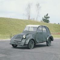 Prototyp 2 CV z 1941 roku.