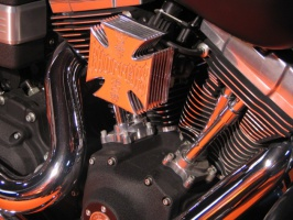 Symfonia kształtu silnika Harleya.