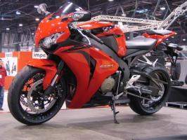 Honda CBR 1000 Fireblade, 1000 ccm, 178KM.