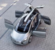 """Opel Flextreme ma napęd elektryczny ale pokładową elektrownią """"kręci"""" mały diesel."""