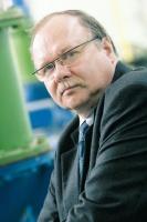 - Nawet wysoki koszt produkcji energii może się w naszym przypadku opłacać, uwzględniając brak zewnętrznych kosztów przesyłu tej energii - ocenia <b>Andrzej Zielaskowski</b>, główny energetyk PCC Rokita.
