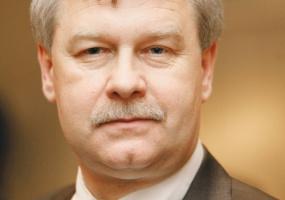 - Istotny rozwój sieci stacji bez możliwości przejęcia sieci konkurentów jest ogromnym wyzwaniem - mówi <b>Andrzej Magryś</b>, prezes Statoil.