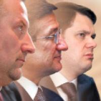 Stalowi giganci ze Wschodu zadomowili się w Polsce i konsekwentnie realizują swoje strategie. Ale ich ambicje sięgają dalej - w planach ekspansja europejska, a może i globalna. Na zdjęciu od lewej: Witalij Gnatuszenko, członek zarządu UGMK, Serhij Taruta, współwłaściciel Związku Przemysłowego Donbasu i Aleksiej Mordaszow, właściciel Severstalu.