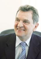 – Potencjał partnerstwa publiczno-prywatnego nie jest wykorzystany w budownictwie drogowym – twierdzi Konrad Jaskóła, prezes zarządu Polimex-Mostostal. – Ten system może sprawdzić się w sektorze pod warunkiem właściwego doboru sposobów finansowania, ponieważ w ramach PPP partner prywatny w całości lub w części ponosi nakłady na wykonanie przedsięwzięcia.