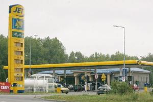 W 2007 roku Łukoil poinformował o kupnie 83 stacji paliwowych pod brandem JET i ConocoPhillips. Wówczas Rosjanie zapowiedzieli, że w ciągu najbliższych lat potroją liczbę swoich stacji w Polsce. Wygląda jednak na to, że uwagę szefa koncernu zaprzątają ostatnio inne rynki.