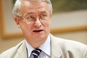 """- Cele zawarte w projekcie """"Polityki energetycznej Polski do roku 2030"""" są niewłaściwe - ocenia Jerzy Majchrzak, dyrektor Polskiej Izby Przemysłu Chemicznego."""