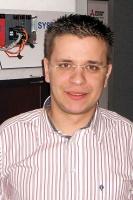 <b>Dariusz Augustyński inżynier wsparcia technicznego sekcji PLC z firmy MPL Tech nology</b> <br><br>  Czas procesu modernizacji systemów automatyki zależy głównie od szybkości, precyzji działania elementów i ich niezawodności. Szybkość wykonywania poszczególnych operacji i zadań ma ogromny wpływ na czas produkcji. Koszty takiego przedsięwzięcia uzależnione są od tego, jak bardzo złożony jest system automatyki przeznaczony do modernizacji. W kalkulacji trzeba brać także pod uwagę stopień zaawansowania technologicznego, jaki chcemy uzyskać.