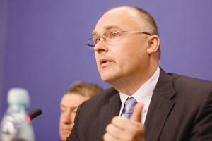 W opinii Przemysława Sztuczkowskiego, prezesa zarządu Złomreksu, rząd nie robi nic, by chronić przemysł, w tym hutnictwo, przed kryzysem.