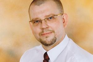 - Efekty kryzysu najbardziej dotknęły zakłady zaplecza kolejowego, które nierzadko w stu procentach uzależnione były od zleceń PKP Cargo - zauważa Adam Musiał, dyrektor Polskiej Izby Producentów Urządzeń i Usług na Rzecz Kolei.