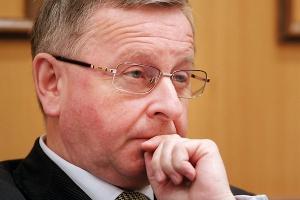 - Nie wycofujemy się z naszych planów inwestycyjnych - zapewnia Mirosław Dobrut, wiceprezes PGNiG-u. Tylko w tym roku firma zamierza zainwestować około 3 mld zł.