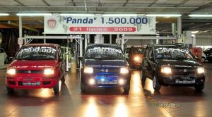 Fiaty Panda o numerach nadwozi 1499999 i 1500001 też są przeznaczone dla zagranicznych klientów: w  Niemczech (czarny 1.3 MultiJet Dynamic) i w Anglii (czerwony 1.1 ECO Active).