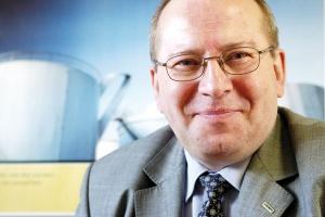 - Skoro kryzys już jest, musi dotknąć każdego bez wyjątku - uważa Jacek Rutkowski, dyrektor Kemppi sp. z o.o. - Mimo znaczącego spadku sprzedaży, spodziewamy się niewielkiego wzrostu udziału na rynku.