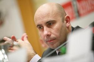 Wiceminister skarbu Adam Leszkiewicz podkreślał determinację rządu: - Naszym priorytetem jest znalezienie jednego inwestora dla ZAK-u, ZAT-u i Ciechu - zapewnił.