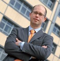 - Największe oszczędności uzyskują firmy w wyniku centralizacji procesów zakupowych w wielodziałowych strukturach zatrudniających tysiące pracowników - twierdzi Piotr Matysik, prezes zarządu firmy Marketplanet.