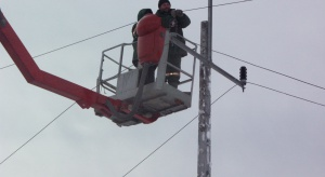 Energetycy usuwają skutki huraganowego wiatru. 800 osób w akcji na południu Polski
