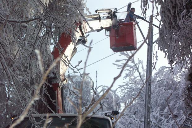 Po opadach śniegu ponad 3 tys. gospodarstw bez prądu