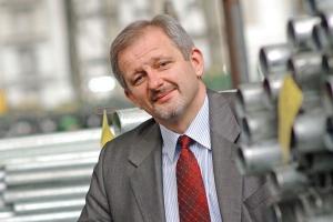 - Producenci stali już w czwartym kwartale ubiegłego roku stanęli pod ścianą - mówi Robert Wojdyna, prezes zarządu Konsorcjum Stali. - Poziom cen stali był najniższy od kilkunastu lat!