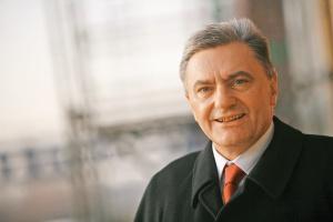 Zdaniem Edwarda Szlęka, prezesa Koksowni Przyjaźń, rok 2010 będzie rokiem przejściowym.<br> - Będzie pewnie lepszy od 2009 roku, ale nie tak dobry, jak lata 2007-08.