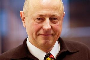 Waldemar Preussner, przewodniczący Rady Administrującej PCC SE, uważa, że rozsądny inwestor nie potrzebuje pakietu socjalnego czy programu inwestycyjnego. - Będzie się rozsądnie obchodził z pracownikami, a jeżeli będą możliwe inwestycje, to na pewno je podejmie i zrealizuje.