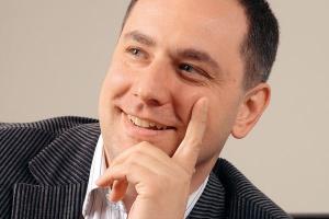 - Rzadko w przypadku fuzji można przenieść istniejący w jednej firmie system bezpośrednio do drugiej - twierdzi Mariusz Wołodźko z polskiego oddziału Microsoft. - Zazwyczaj potrzebne jest zupełnie nowe rozwiązanie.