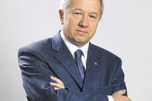 - Co roku inwestujemy około 40mln dolarów - twierdzi Marek Darecki, prezes zarządu WSK PZL-Rzeszów. - Mamy szanse wdarcia się do ścisłej czołówki światowych firm lotniczych.
