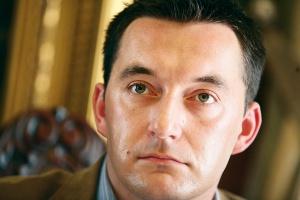 - Pomimo wielokrotnych zapowiedzi, nadal nie powstała koncepcja komercjalizacji lub prywatyzacji PPPL. Nadal więc nie wiadomo, po co właściewie będzie się ją robić - zauważa Adrian Furgalski, dyrektor Zespołu Doradców Gospodarczych TOR