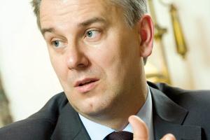- Polska pomoże Rosji w likwidacji skutków katastrofy w kopalni węgla kamiennego Raspadskaja na Syberii - zapowiedział minister infrastruktury Cezary Grabarczyk. - Współpraca gospodarcza między Rosją i Polską zaczyna być coraz bardziej normalna - ocenił polski minister.