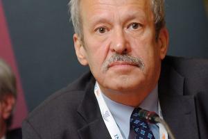 - Ta prywatyzacja nie może być celem samym w sobie - przekonuje Janusz Steinhoff, były wicepremier i minister gospodarki. - Górnictwo trzeba sprywatyzować, czyli otworzyć mu nową drogę do inwestycji.