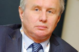 - Należy budować nowoczesne zakłady górnicze - przekonuje Jerzy Markowski, były wiceminister gospodarki. - Pieniądze na niezbędne inwestycje mogą pochodzić z prywatyzacji poprzez giełdę, bo na budżet państwa nie ma co liczyć.