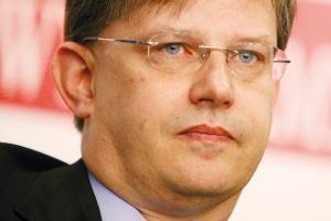 - Raczej nie grożą nam upadłości firm - uważa Tomasz Milas, prezes zarządu TM Steel. - Ci, co przetrwali bez strat, polepszą swą sytuację. Kto poniósł straty, będzie musiał je nadrobić.