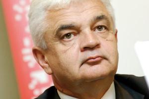- Nie ma zagrożeń importu czy dumpingowych cen - podkreśla Jerzy Bernhard, prezes zarządu Stalprofilu SA. - Wahania w zakresie cen mogą nastąpić, ale będą niewielkie.