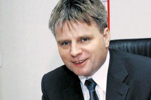 - Biorąc pod uwagę skalę inwestycji, które w ostatnich latach poczyniliśmy w Polsce, jesteśmy przekonani, że zwiększymy swój udział w tym powoli rosnącym rynku - przewiduje Zbigniew Pawłowski, menedżer do spraw sprzedaży Lincoln Electric Bester.