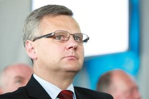 - Pobiliśmy wszystkie możliwe rekordy zainteresowania ofertą ze strony inwestorów indywidualnych i finansowych - cieszył się po giełdowym debiucie PZU minister skarbu Aleksander Grad.