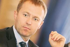 Pojawiły się pogłoski, że CEZ zamierza sprzedać swoje polskie firmy. Martin Roman, prezes CEZ-u, oficjalnie je zdementował.