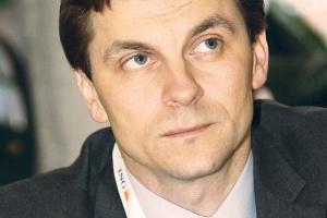 Marek Woszczyk, wiceprezes Urzędu Regulacji Energetyki, uważa, że dla odbiorców tańszy byłby taki system wsparcia oze, który wspierałby tylko faktyczną produkcję, a nie konieczność wypełnienia obowiązków nałożonych na sprzedawców energii.