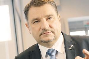 """<b>Piotr Duda<br> przewodniczący Komisji Krajowej NSZZ """"Solidarność""""</b><br><br>  Uczciwość i zaufanie Nauczyliśmy się np. chronić prawa pracowników w przekształcanych i prywatyzowanych przedsiębiorstwach. Wiemy, jak ważna jest współpraca międzynarodowa związków zawodowych w przedsiębiorstwach ponadnarodowych, których wcześniej nie było w Polsce. <br><br>  Nie sądzę jednak, aby było możliwe całkowite uniknięcie napięć między pracodawcą i pracownikami. <br><br>  Ważna jest natomiast uczciwość i wzajemne zaufanie. Jak można budować zdrowe relacje z pracodawcą, który nie płaci wynagrodzenia i kredytuje swoją działalność kosztem pracowników czy nie respektuje prawa pracowników do zrzeszania się w związek zawodowy?"""