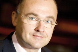 - Głęboka restrukturyzacja Grupy Cognor ma doprowadzić do specjalizacji. Sprzedaż objęła części majątku, których wykorzystania nie przewidujemy w naszych planach - mówi Przemysław Sztuczkowski, prezes Złomreksu SA.