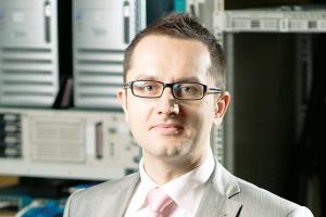 - Ważnym problemem do rozwiązania będzie kwestia integracji danych pomiędzy systemami on-premise w firmowej serwerowni a danymi w chmurze. Integralność danych transakcyjnych to warunek konieczny uruchomienia takich usług - mówi Łukasz Piątkowski, business solution architect SAP Polska.