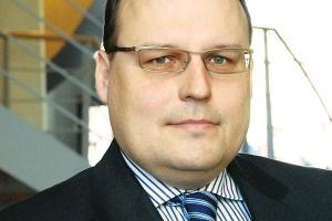 - Każda transakcja, jeśli ma być transakcją zabezpieczającą, powinna mieć pokrycie w realnym cash flow (import, eksport) - mówi Piotr Kinastowski z ING Banku Śląskiego.