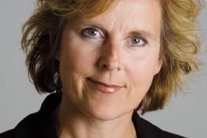 <b>Connie Hedegaard, komisarz UE ds. działań w dziedzinie klimatu</b><br> - Musimy już teraz rozpocząć przechodzenie na konkurencyjną gospodarkę niskoemisyjną. Im dłużej będziemy zwlekać, tym będzie to droższe. Opłaca się od razu rozpocząć przekształcanie gospodarki.