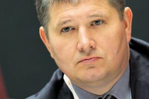 <b>Grzegorz Górski, prezes zarządu GDF Suez Energia Polska</b><br> - Obserwujemy chaos informacyjny, co spowodowało, że inwestorzy oczekują wyższej stopy zwrotu z inwestycji w OZE. W efekcie część projektów nie została rozpoczęta.