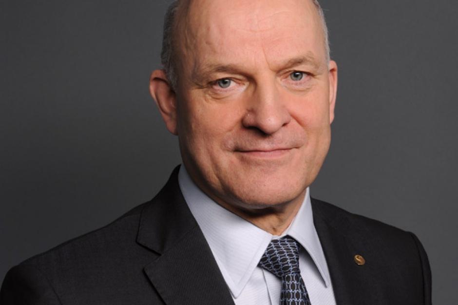 Paweł Olechnowicz, prezes zarządu Grupy Lotos   - Efektem prywatyzacji powinien być też znaczny wzrost wartości grupy i jej siły rynkowej. Chcemy, żeby przyszły strategiczny inwestor miał wielkie doświadczenia w przemyśle rafineryjnym i dostęp do własnych źródeł ropy.