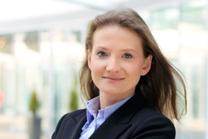 <b>Dominika Jędrak<br> dyrektor w Colliers International</b><br><br>  - Centra handlowe to wciąż atrakcyjne projekty dla inwestorów, stąd w następnych latach można się spodziewać kolejnych galerii, głównie w dużych miastach Polski.