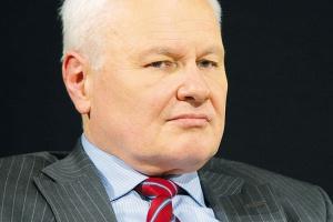 <b>Andrzej Kraszewski<br> minister środowiska</b><br><br> - Polska zawsze była mocną ostoją energetyki węglowej, wręcz byliśmy zakładnikami lobby węglowego i teraz mamy więcej kłopotu niż inne gospodarki.