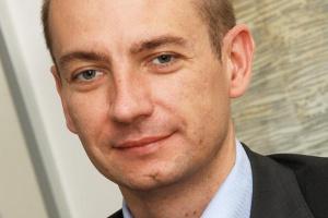 <b>Arkadiusz Możdżeń,<br> dyrektor handlowy w NextiraOne Polska</b><br><br> - Jednym z niewielu rynków, absorbującym cały czas nowe rozwiązania telekomunikacyjne, są inwestycje związane z Euro 2012. Przeszły już one z fazy przygotowań do realizacji poszczególnych projektów.
