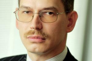<b>Andrzej Janowski<br> Oracle Utilities Global Business Unit </b><br><br>  Sektor gazowy w Polsce, podobnie jak sektor elektroenergetyczny, to obszar o największym potencjale wzrostu w zakresie rozwiązań IT w najbliższych latach. W pierwszej kolejności przyszłością dla branży będą rozwiązania związane ze smart meteringiem. Kolejnym obszarem są rozwiązania umożliwiające rozliczanie klientów za zużytą energię, która może pochodzić z różnych źródeł. Już teraz w niektórych krajach odbiorcy elastycznie korzystają albo z gazu, albo z energii elektrycznej, w zależności od kosztów danego nośnika w danej chwili.